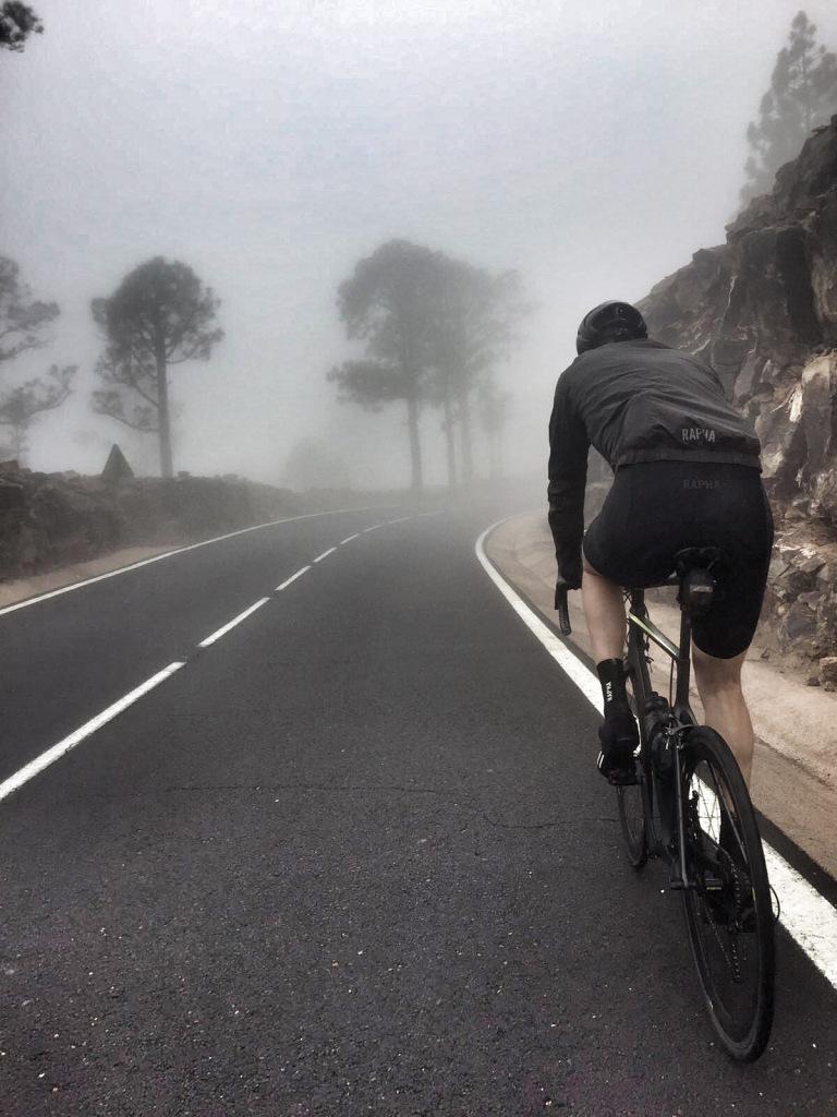 climbing-teide-through-the-gloom